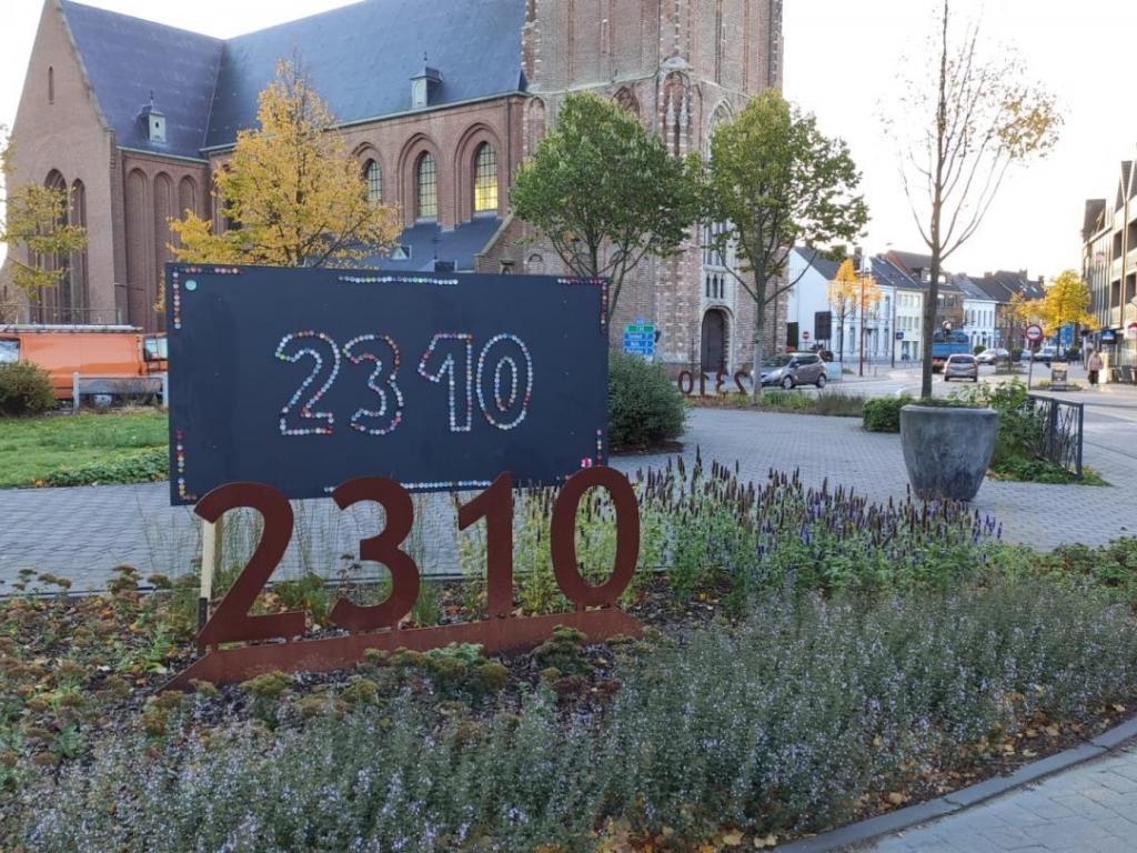 2310-kunstwerken van lagere scholen tentoongesteld op de rotonde |  Rijkevorsel
