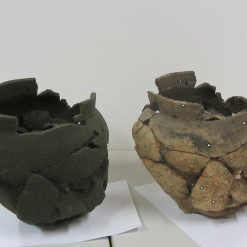 De urn na opgravingen en de 3D printversie © Heemkundige kring van rIJKEVORSEL VZW